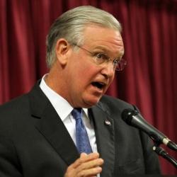 Gov. Jay Nixon Signs Missouri Fantasy Sports Consumer Protect Act into Law